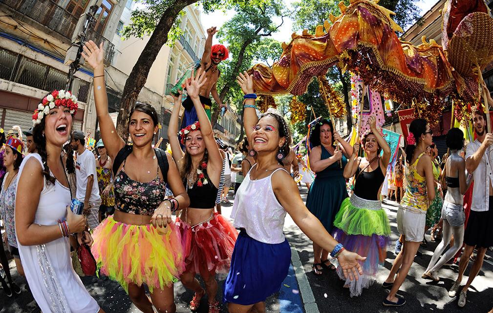 pulando carnaval
